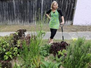 Nicolette Boaz' controversial verge garden